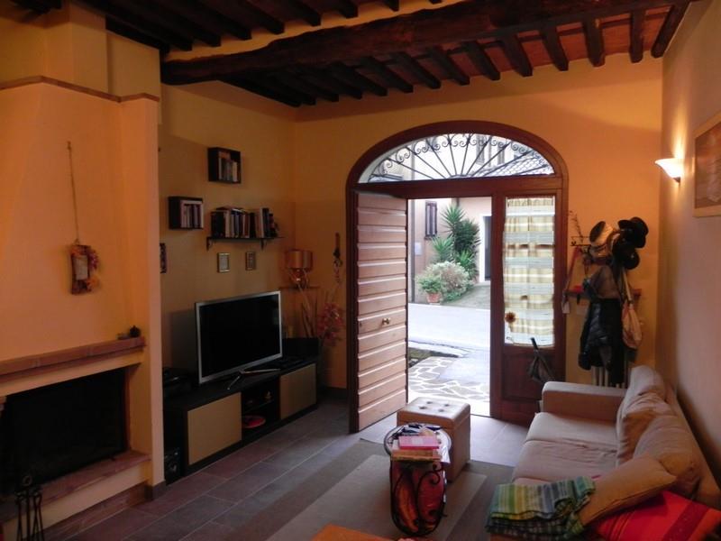Rustico casale, Nocchi, Camaiore, in ottime condizioni