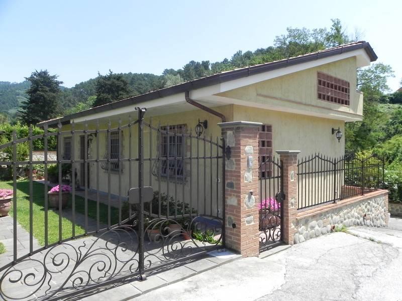Rustico casale, Camaiore, ristrutturato