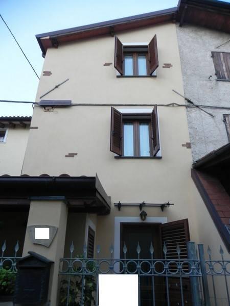 Terratetto, Camaiore, ristrutturato