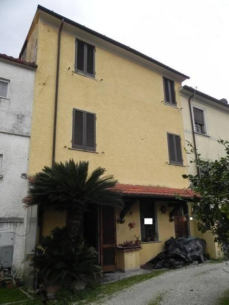 Rustico casale, Pietrasanta, da ristrutturare