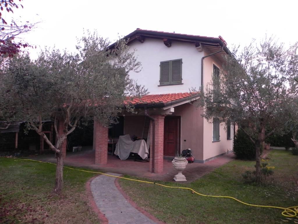 Villa, Marina Di Pietrasanta, Pietrasanta, in ottime condizioni