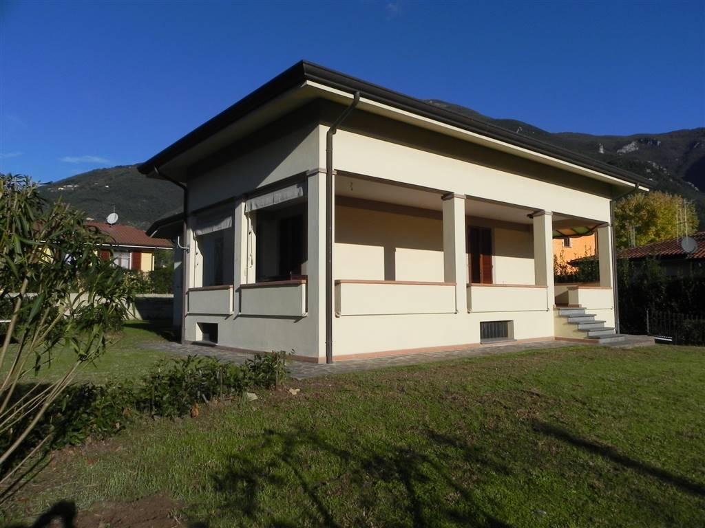 Villa a CAMAIORE