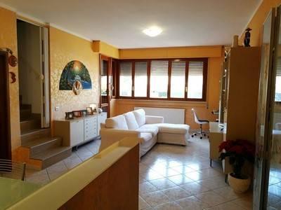 Villa a schiera a MASSAROSA