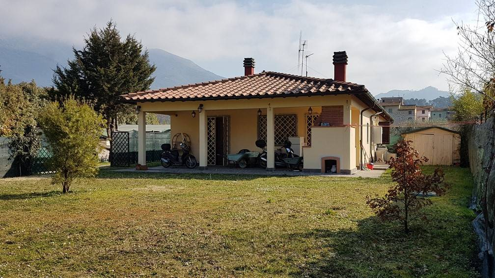 Villa bifamiliareaCAMAIORE