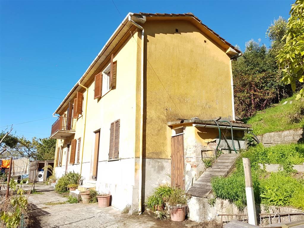 Casa singola, Pietrasanta, da ristrutturare