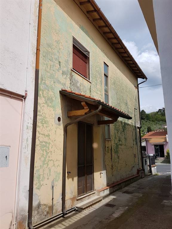 Casa semi indipendente, Massarosa, da ristrutturare
