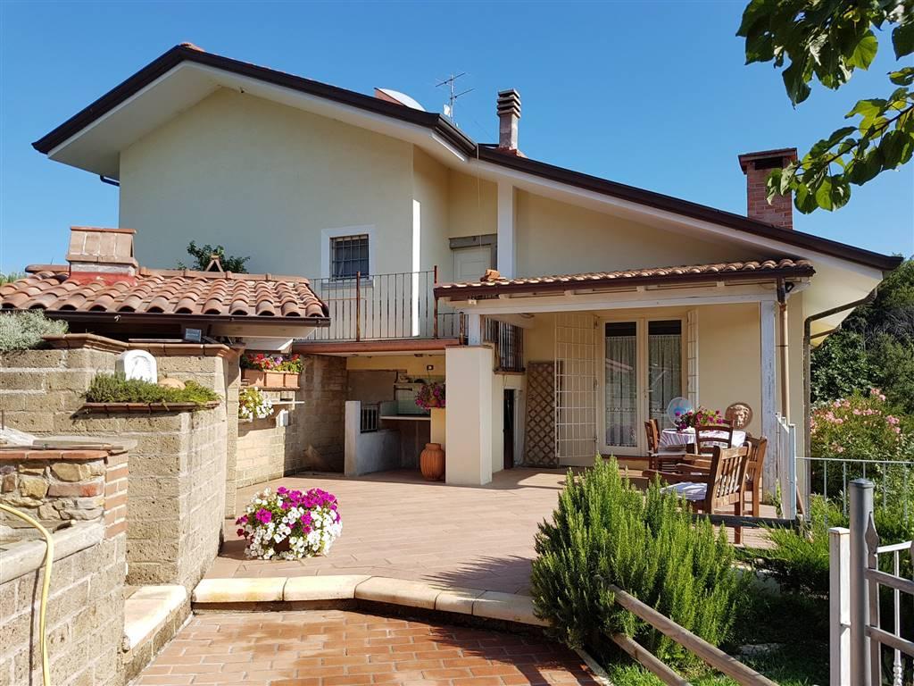 Villa bifamiliare a MASSAROSA