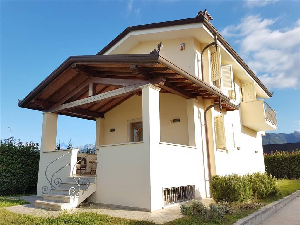 Casa singola a CAMAIORE