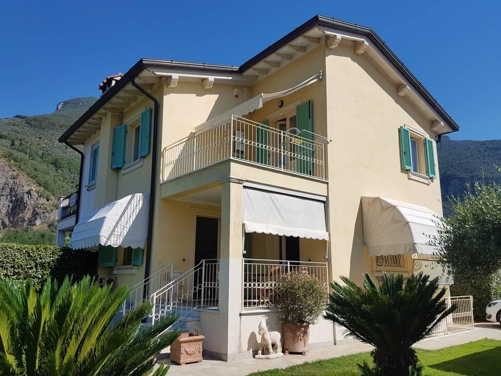Villa bifamiliare a CAMAIORE