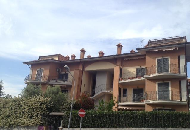 Trilocale in Via Frati Crociferi, Monterotondo