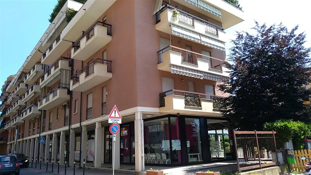 Negozio / Locale in affitto a Rivalta di Torino, 1 locali, zona Località: PASTA, prezzo € 630 | CambioCasa.it