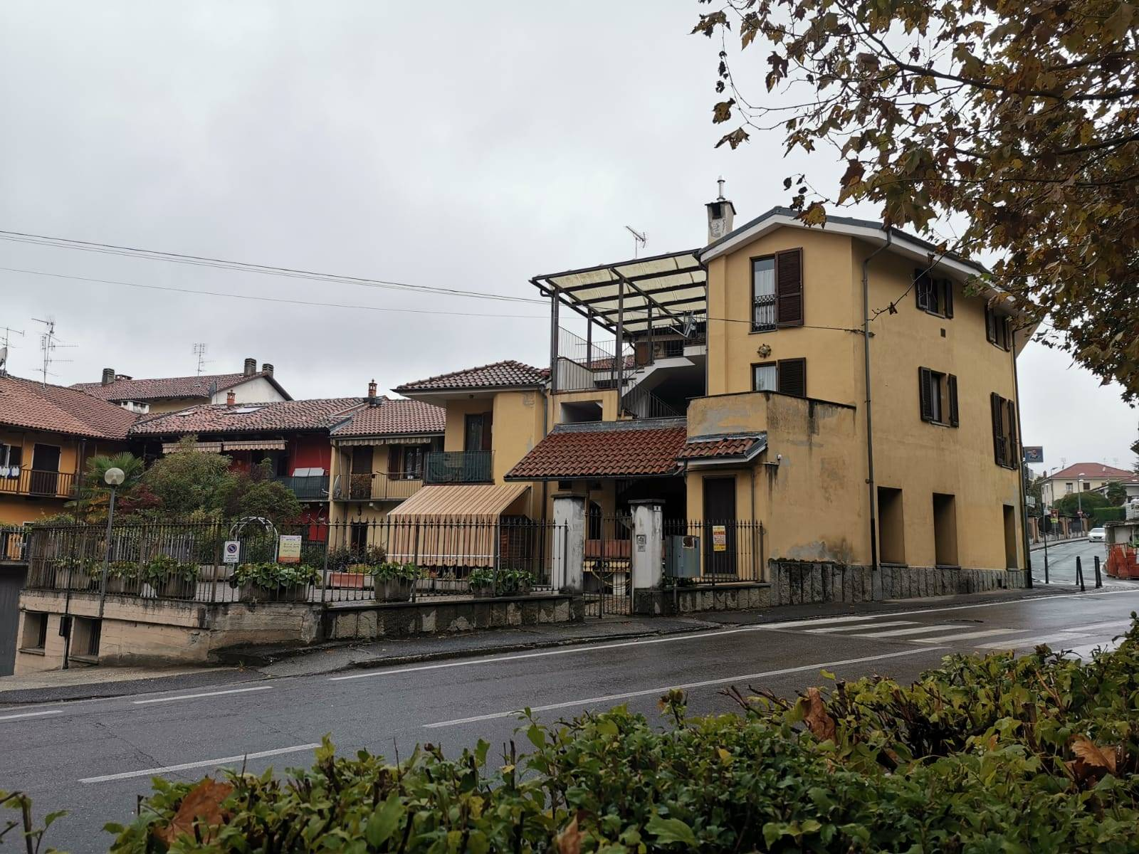 Appartamento in vendita a Cumiana, 6 locali, zona Località: CUMIANA, prezzo € 115.000   CambioCasa.it
