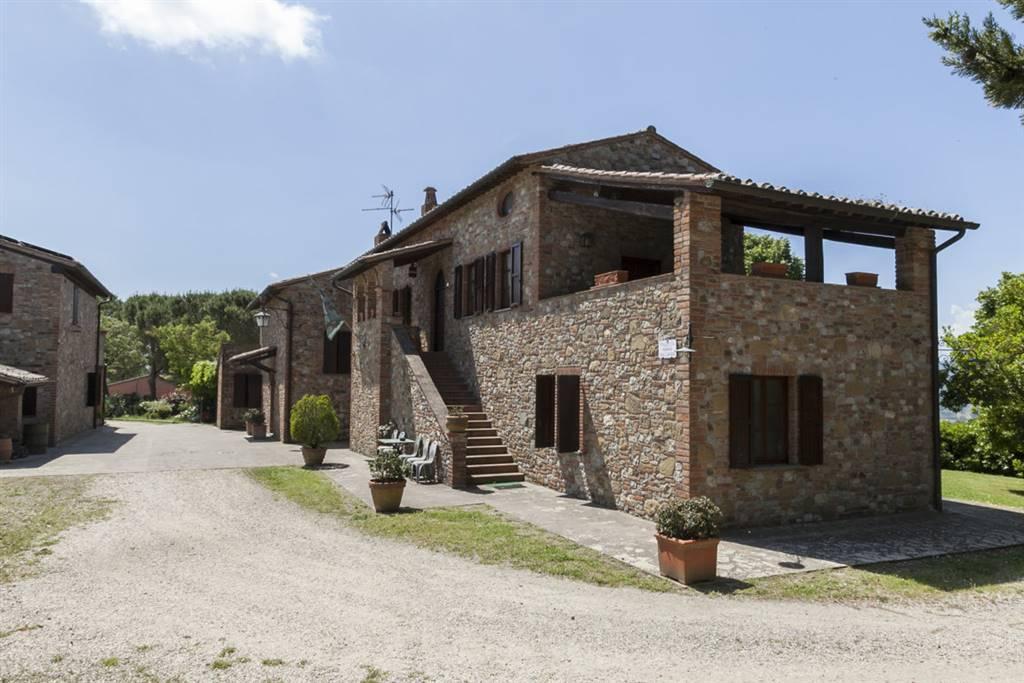 Rustico / Casale in vendita a Città della Pieve, 19 locali, prezzo € 1.150.000 | CambioCasa.it