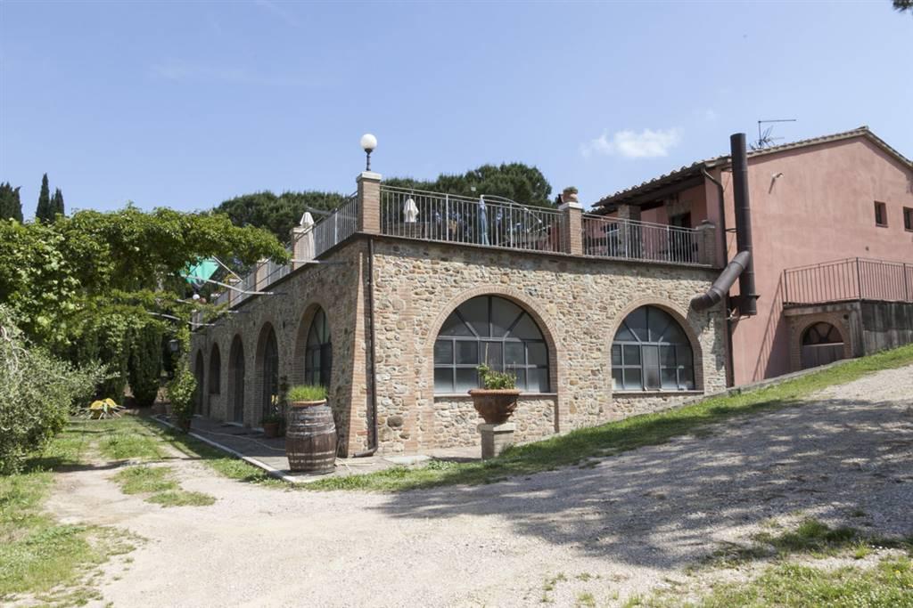 Vendita rustico casale citta 39 della pieve ristrutturato for Affitto rustico della cabina