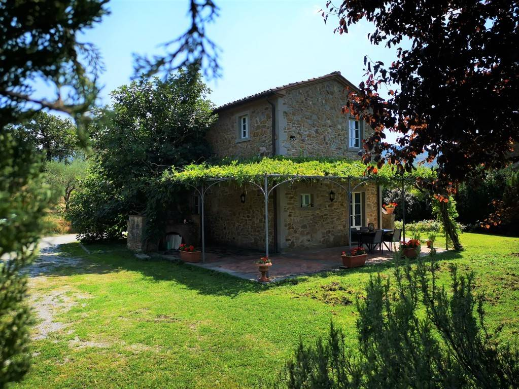 Country house in Cortona for sale