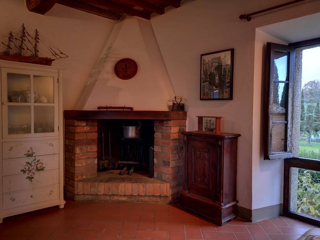 Camino Fire place