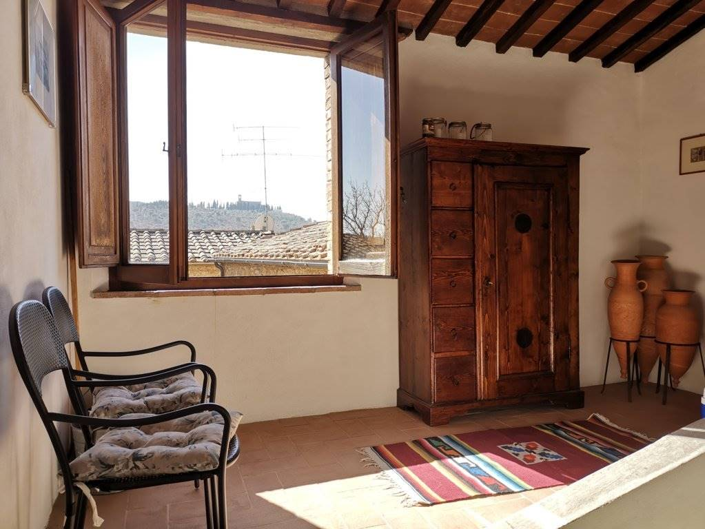 Views on Sant'Anna in Camprena
