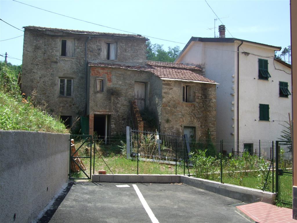 Rustico / Casale in vendita a Riccò del Golfo di Spezia, 6 locali, zona Località: PIAN DI BARCA, prezzo € 40.000   PortaleAgenzieImmobiliari.it