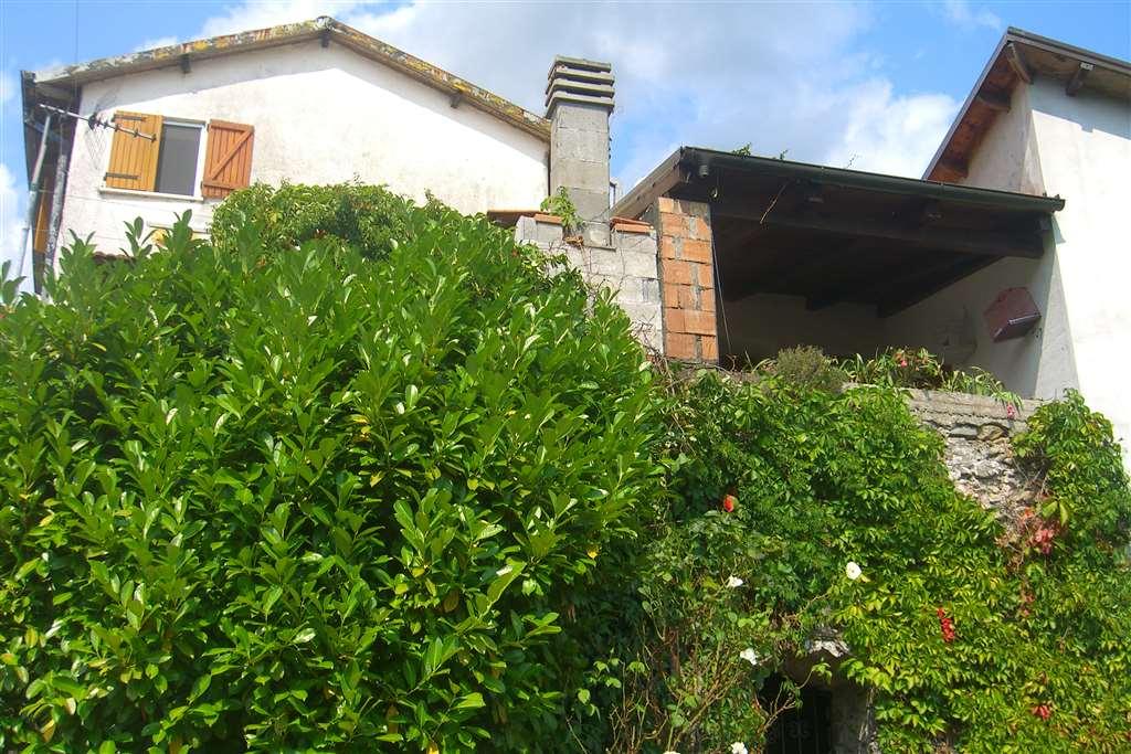 Soluzione Semindipendente in vendita a Sesta Godano, 5 locali, prezzo € 90.000 | CambioCasa.it