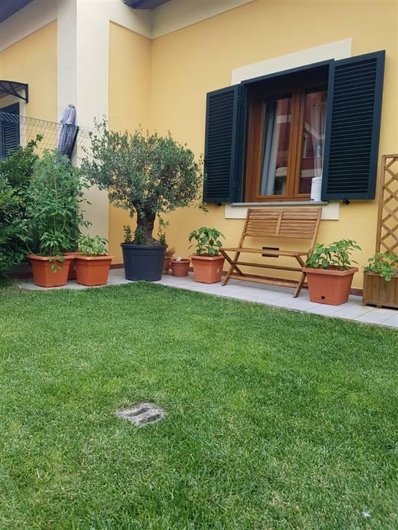 Appartamento in vendita a Follo, 4 locali, zona Zona: Valdurasca, prezzo € 160.000 | CambioCasa.it