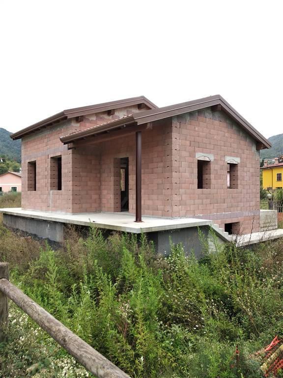 Villa, Beverino, in nuova costruzione