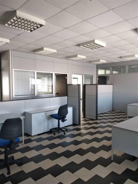 Ufficio / Studio in affitto a La Spezia, 4 locali, zona Località: FOSSAMASTRA, prezzo € 1.000 | CambioCasa.it