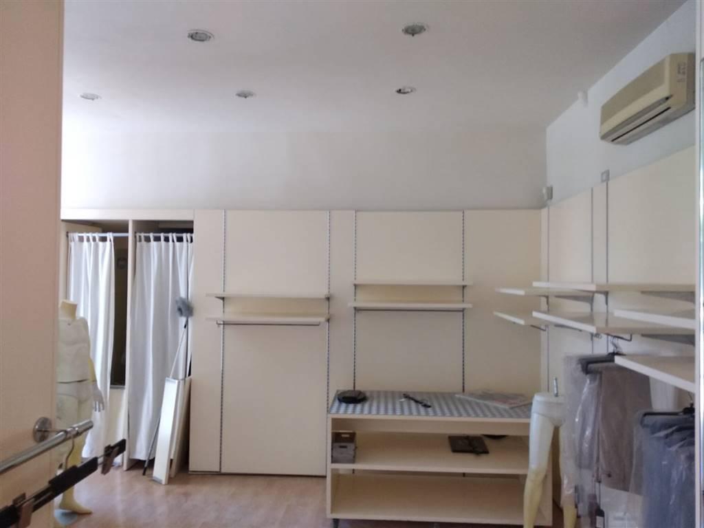 Immobile Commerciale in vendita a La Spezia, 2 locali, zona Località: CENTRO, prezzo € 115.000 | PortaleAgenzieImmobiliari.it