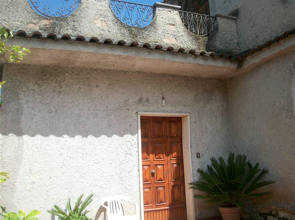 Villa in vendita a Sonnino, 5 locali, zona Località: LA SASSA, prezzo € 110.000   CambioCasa.it