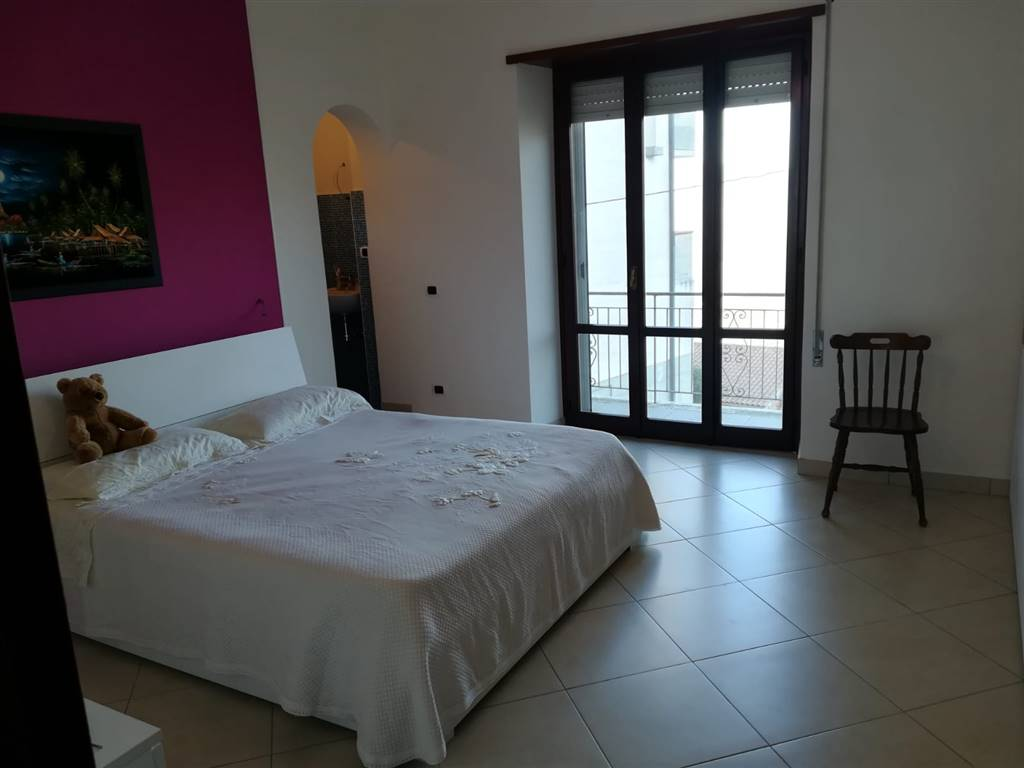 Appartamento in vendita a Sonnino, 4 locali, prezzo € 80.000   CambioCasa.it