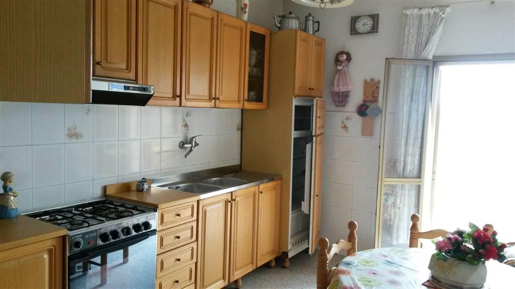 Appartamento in vendita a Priverno, 6 locali, prezzo € 59.000 | CambioCasa.it