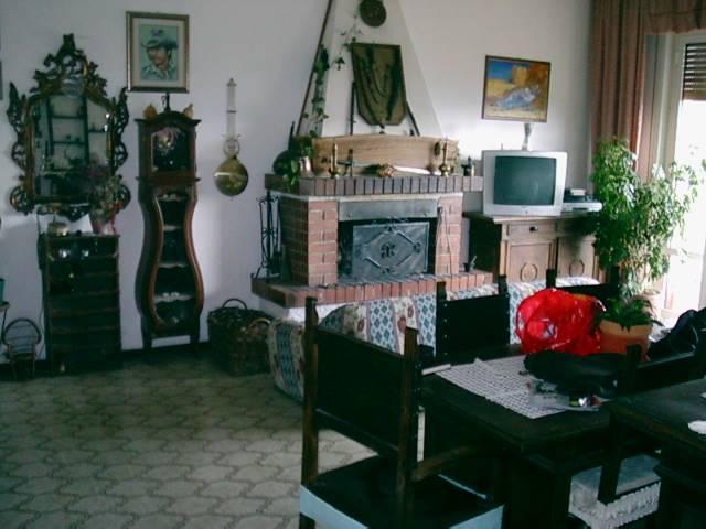 Soluzione Indipendente in vendita a Brugnato, 4 locali, zona Zona: Bozzolo, prezzo € 179.000   CambioCasa.it