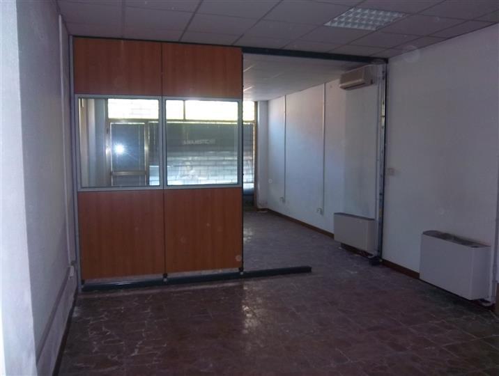 Immobile Commerciale in affitto a La Spezia, 2 locali, zona Località: OSPEDALE, prezzo € 1.300   CambioCasa.it