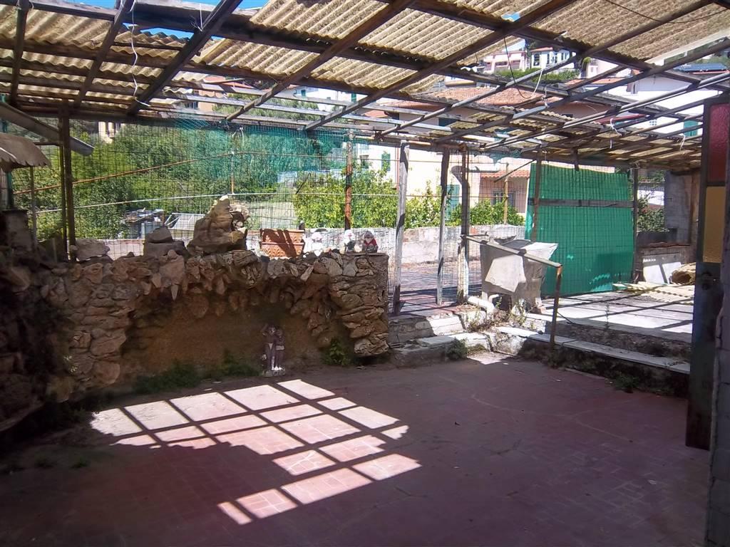 Casa semi indipendente, La Chiappa, La Spezia, da ristrutturare