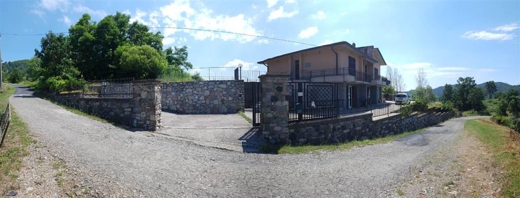 Villa in vendita a Monterosso al Mare, 10 locali, zona Zona: Monte Alberto, prezzo € 450.000   CambioCasa.it