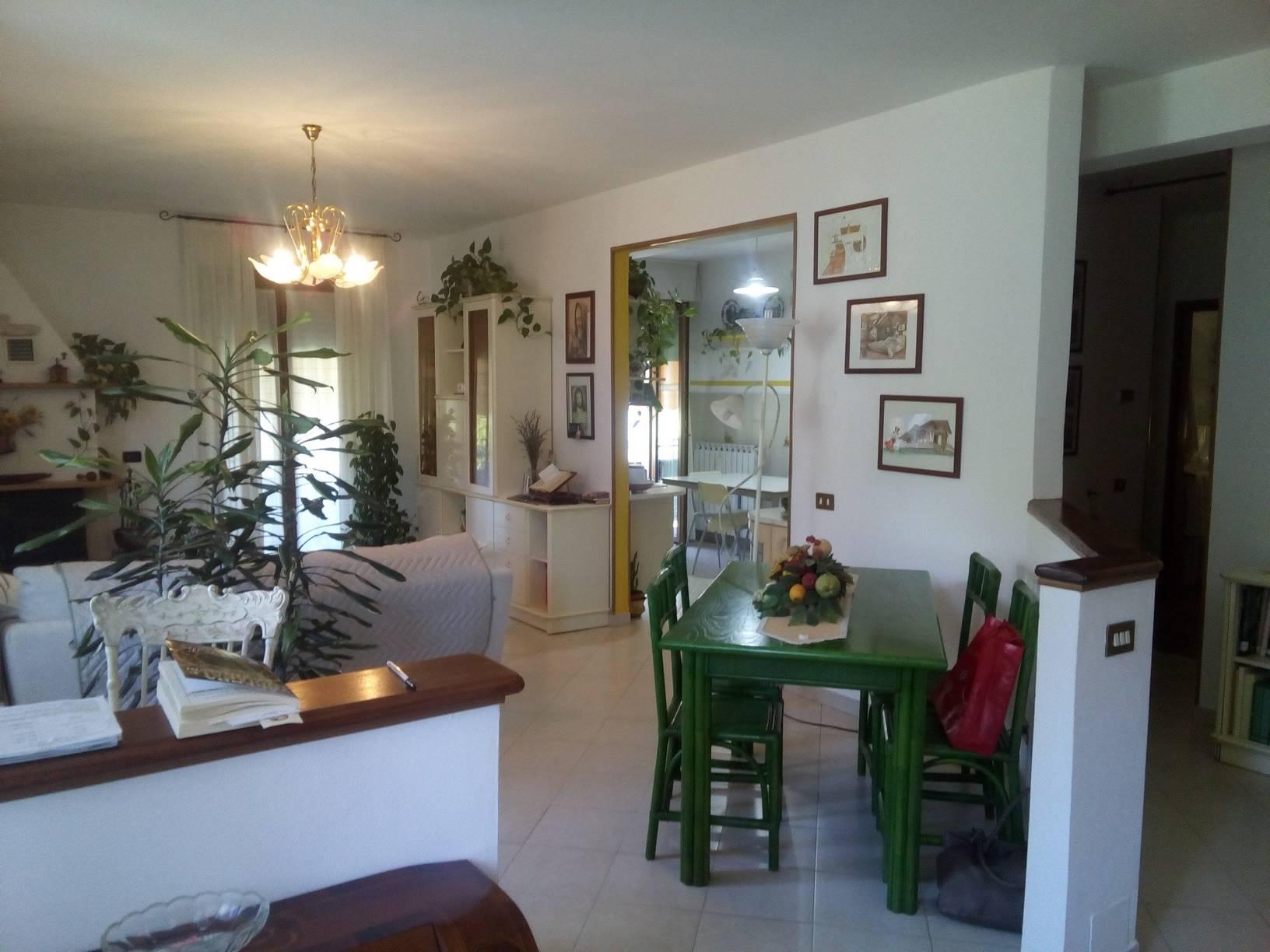 Appartamento in vendita a Riccò del Golfo di Spezia, 6 locali, zona Località: VALGRAVEGLIA, prezzo € 175.000 | CambioCasa.it
