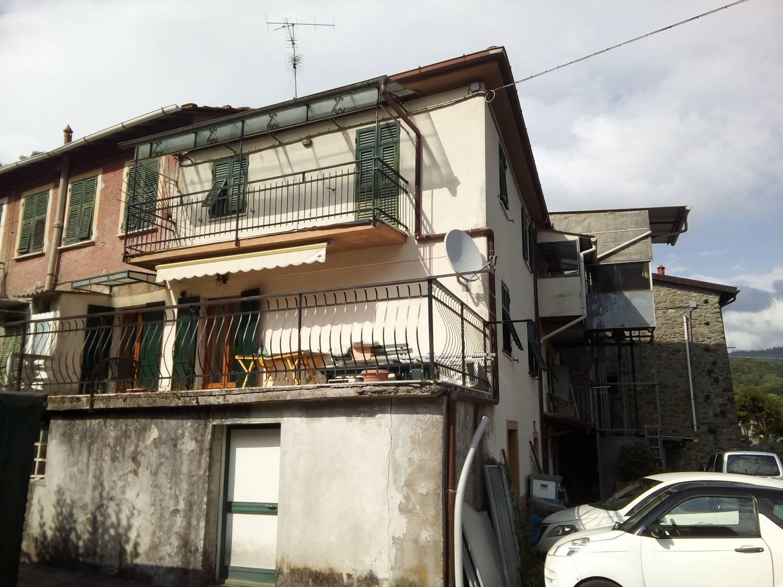 Appartamento in vendita a Riccò del Golfo di Spezia, 6 locali, prezzo € 128.000   PortaleAgenzieImmobiliari.it