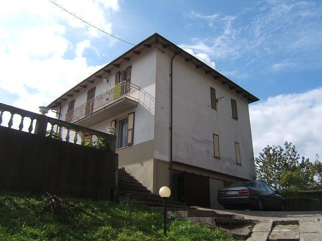 Soluzione Indipendente in vendita a Comano, 4 locali, prezzo € 40.000 | CambioCasa.it