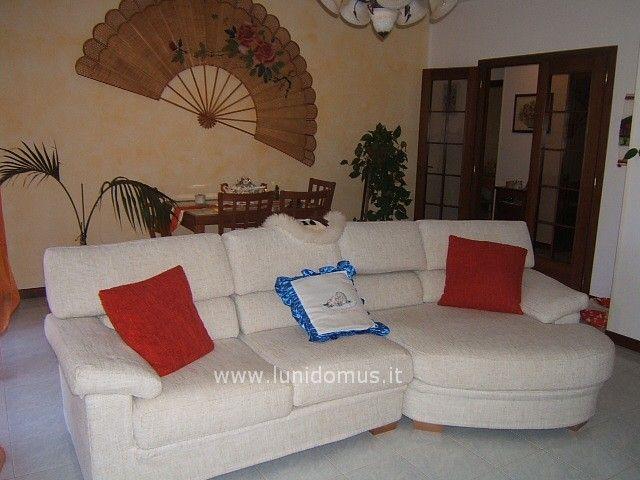 Appartamento in vendita a Aulla, 4 locali, prezzo € 140.000 | PortaleAgenzieImmobiliari.it
