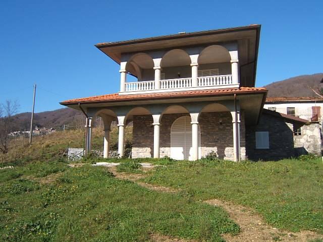 Soluzione Indipendente in vendita a Tresana, 4 locali, prezzo € 140.000 | CambioCasa.it