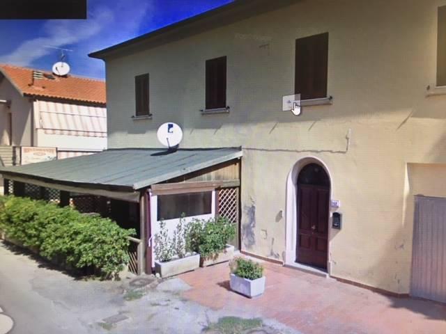Ristorante / Pizzeria / Trattoria in vendita a Gavorrano, 6 locali, zona Zona: Bagno di Gavorrano, prezzo € 135.000   CambioCasa.it