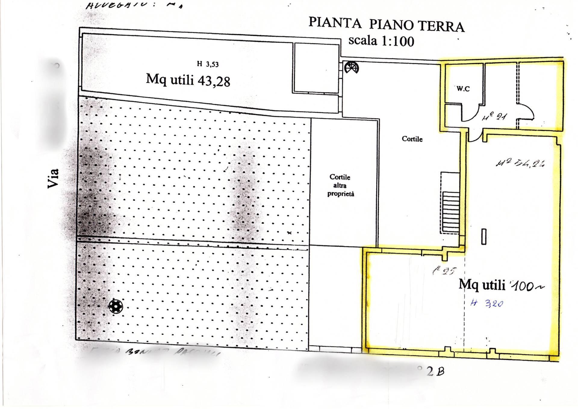 Negozio / Locale in affitto a Follonica, 3 locali, zona Località: CENTRO, prezzo € 1.200 | CambioCasa.it