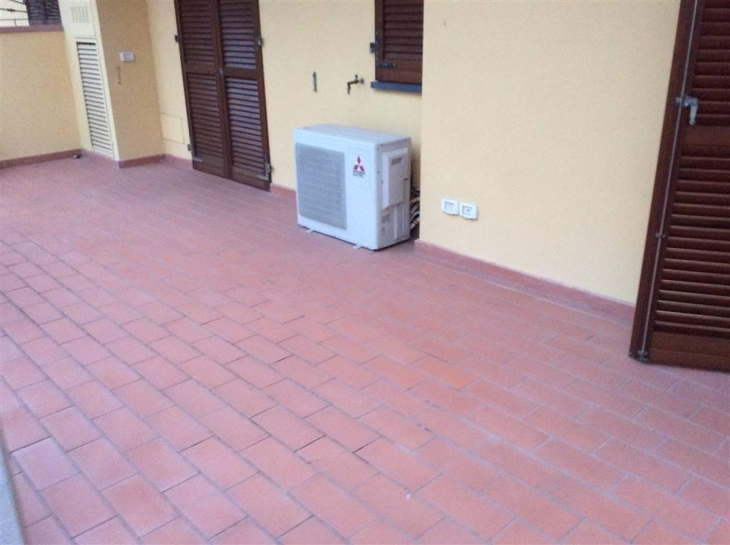 Vendita quadrilocale quarrata seminuovo piano terra for Garage autonomo