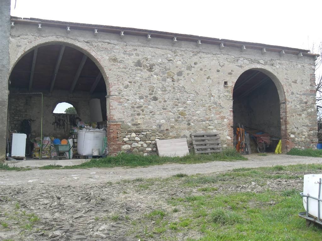 Colonica, Tavola, Prato, da ristrutturare