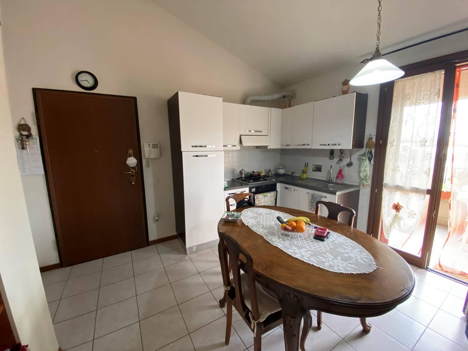 Appartamento in vendita a Montemurlo, 3 locali, prezzo € 150.000   PortaleAgenzieImmobiliari.it