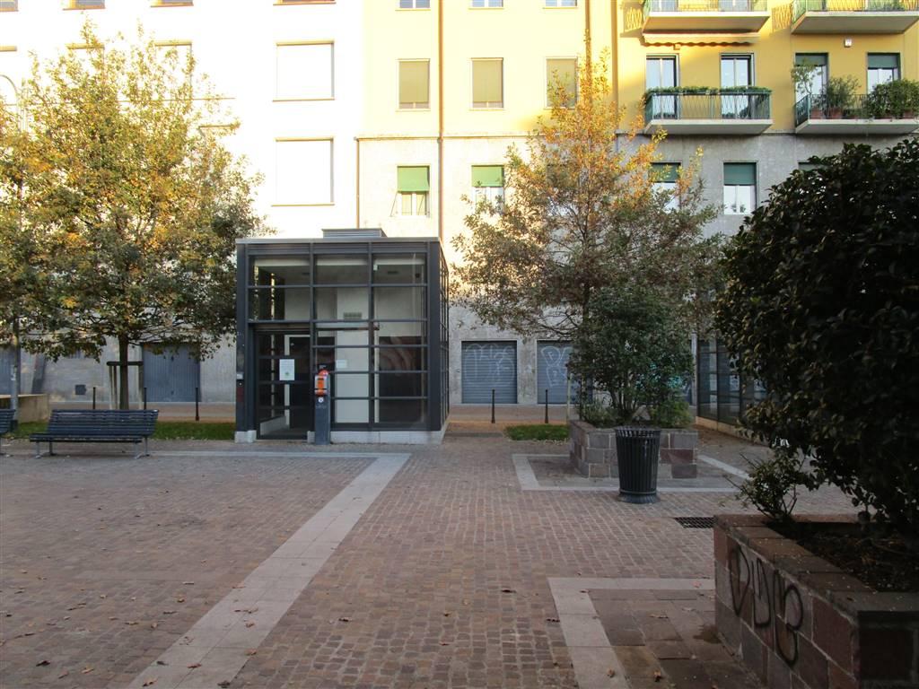 Garage / Posto auto in Piazza Andrea Ferrari, Milano