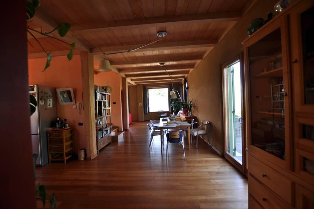 Villa, Travo, seminuova