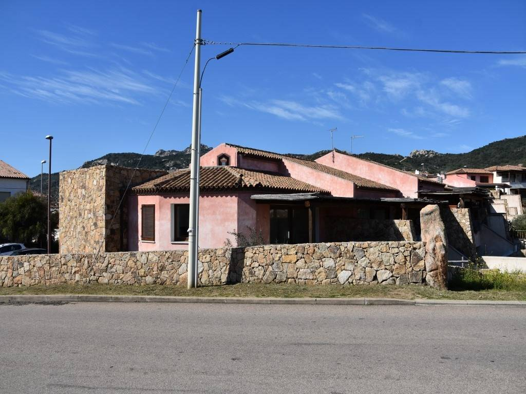 Villa a schiera in Via Elba, Cannigione, Arzachena