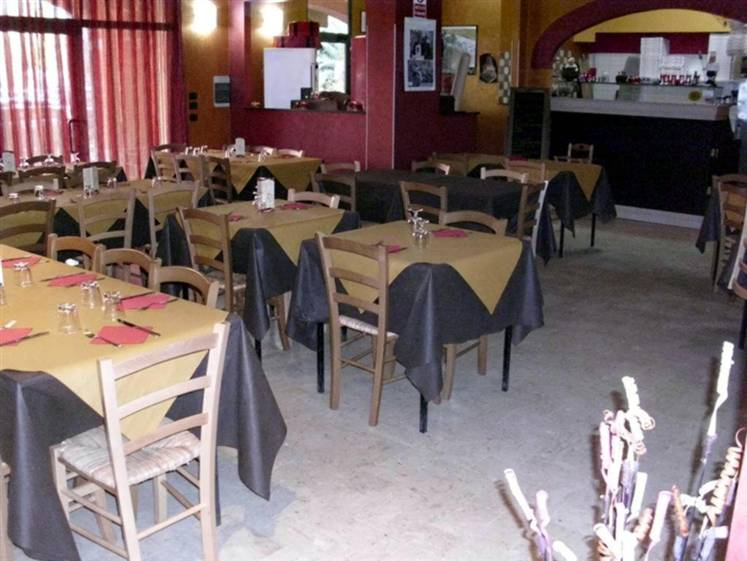 Ristorante / Pizzeria / Trattoria in vendita a Rende, 2 locali, zona Zona: Quattromiglia, prezzo € 57.000 | CambioCasa.it