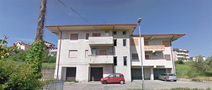 Negozio / Locale in affitto a Mendicino, 9999 locali, zona Zona: Tivolille, prezzo € 520 | CambioCasa.it
