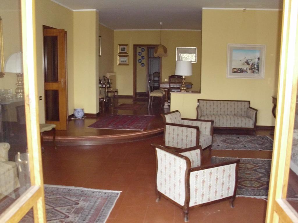 Villa in vendita a Carolei, 11 locali, zona Zona: Vadue, prezzo € 420.000 | CambioCasa.it